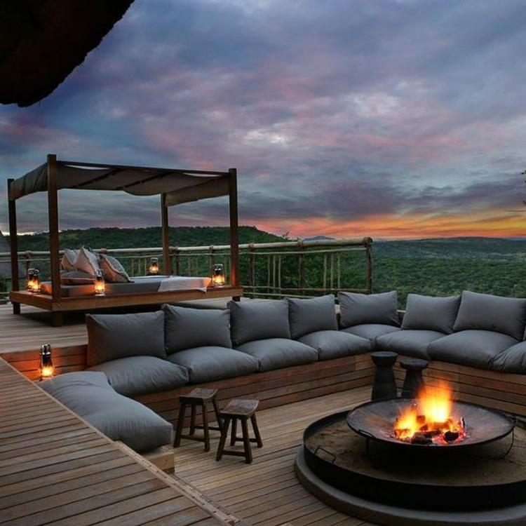 90+ Cozy And Relaxing Rooftop Terrace Design Ideas You