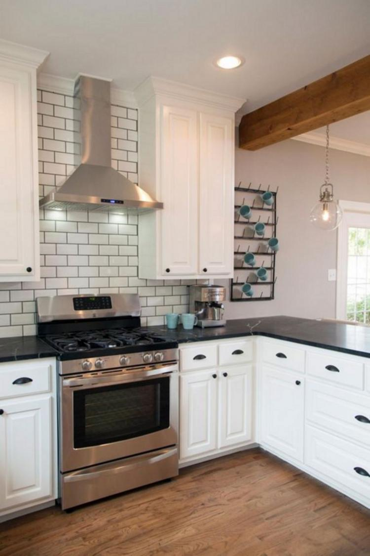 25 Most Amazing Kitchen With Range Hood Ideas